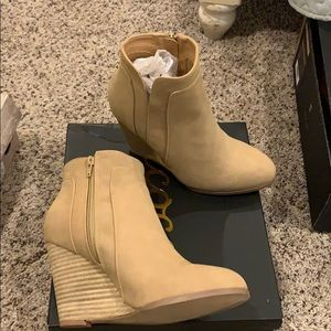 Ccocci Taupe Sydney wedge booties